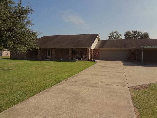 11577 Labelle Rd, Beaumont, TX 77705 (MLS #208223) :: TEAM Dayna Simmons
