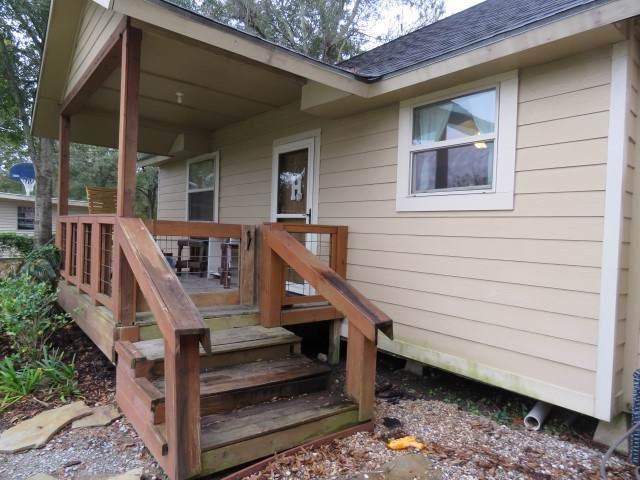 175 Gary, Bridge City, TX 77611 (MLS #208864) :: TEAM Dayna Simmons