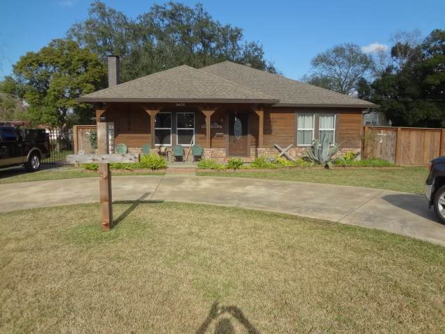 3400 Canal, Groves, TX 77619 (MLS #210018) :: TEAM Dayna Simmons