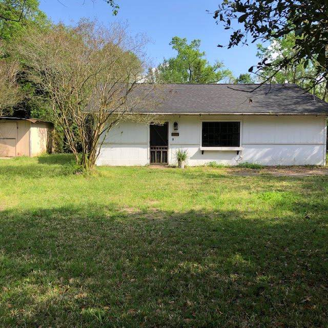 495 E Young, Bridge City, TX 77611 (MLS #210990) :: TEAM Dayna Simmons