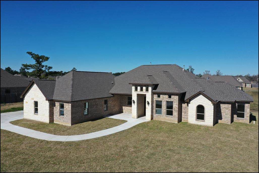 620 Frontier Dr. - Photo 1