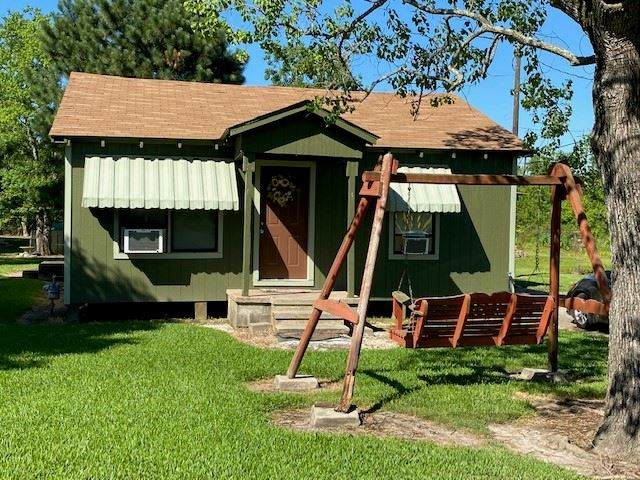 115 E Florida, Orange, TX 77630 (MLS #216643) :: TEAM Dayna Simmons