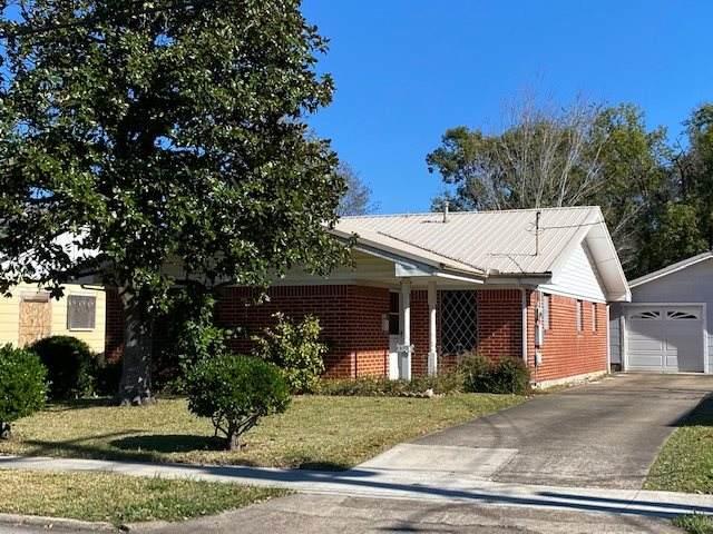 906 9th Street, Orange, TX 77630 (MLS #216888) :: TEAM Dayna Simmons