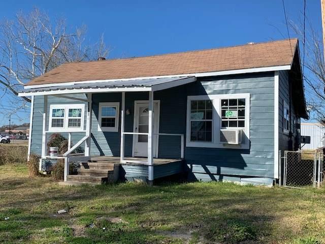 1410 Main, Orange, TX 77630 (MLS #217057) :: TEAM Dayna Simmons
