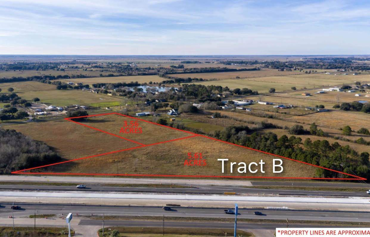 +/- 5.61 Acres Interstate 10 - Photo 1