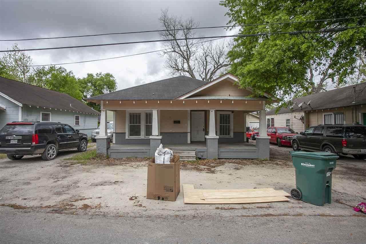 4030 Howard St - Photo 1