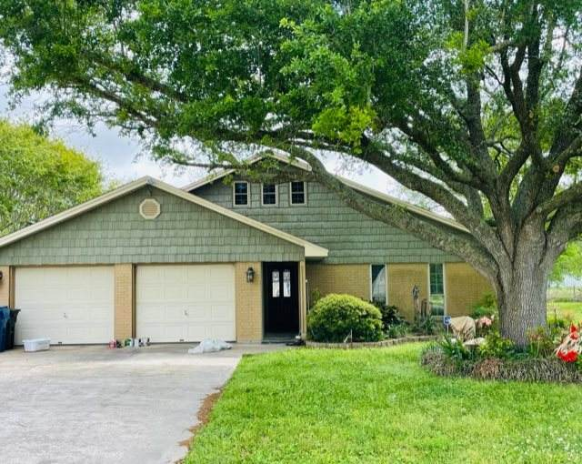 11521 Country Ln., Beaumont, TX 77705 (MLS #219109) :: TEAM Dayna Simmons