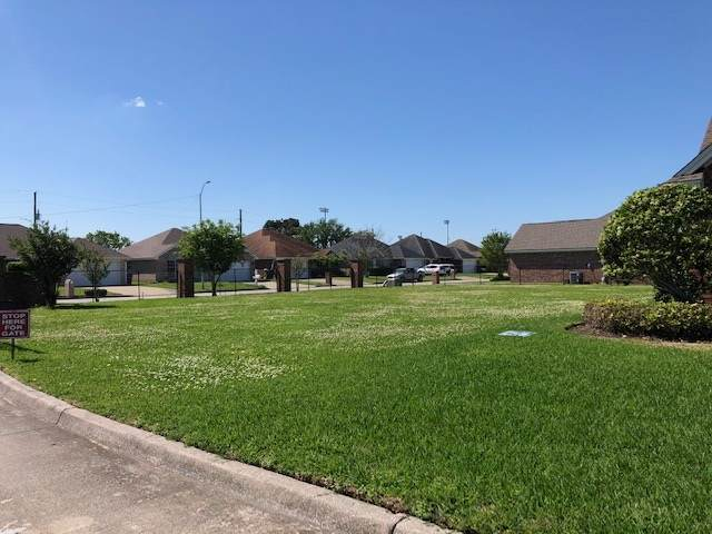 6801 Fairway, Port Arthur, TX 77642 (MLS #219391) :: TEAM Dayna Simmons