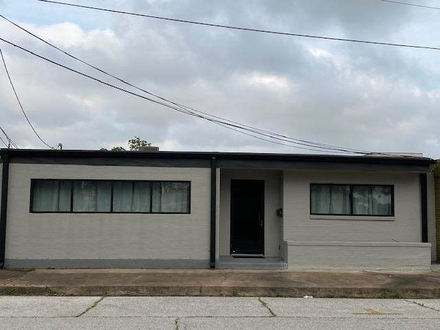 110 7th St., Orange, TX 77630 (MLS #219586) :: TEAM Dayna Simmons