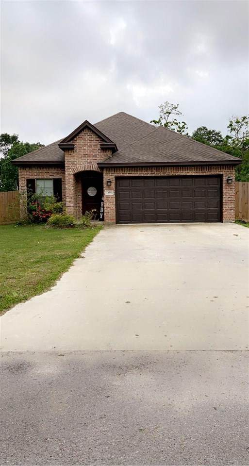365 Gilbert Street, Sour Lake, TX 77659 (MLS #219605) :: TEAM Dayna Simmons