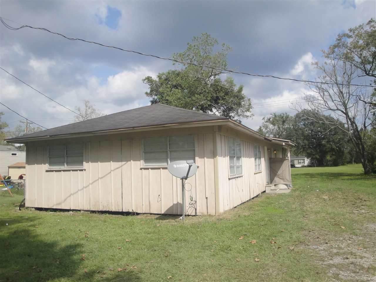 937 Tex State Hwy. 62 - Photo 1