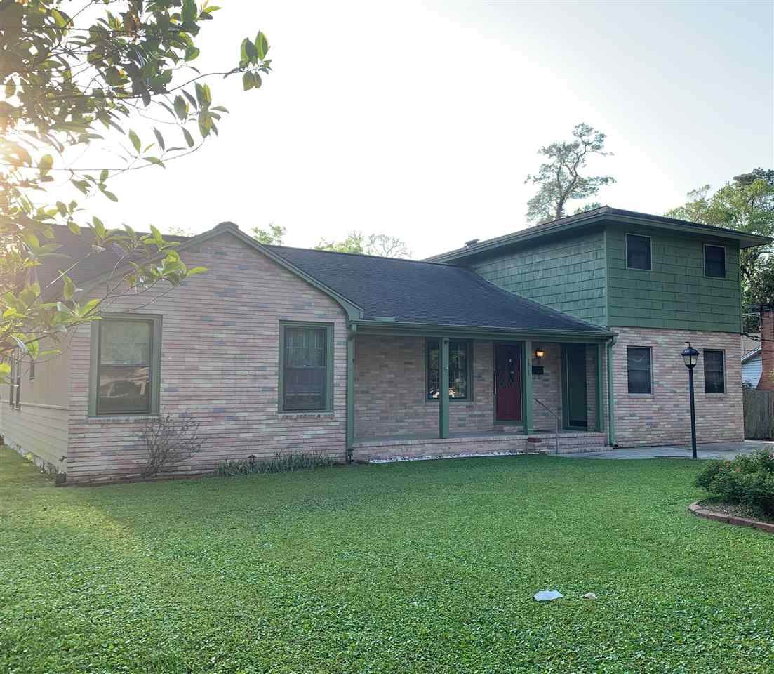 1635 Central Dr - Photo 1