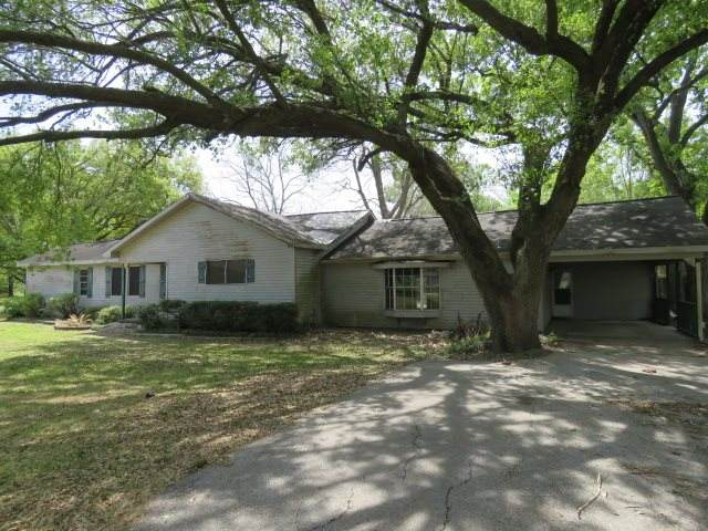 406 Lee, Anahuac, TX 77514 (MLS #218864) :: Triangle Real Estate