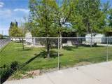 902 Custer Ave - Photo 1