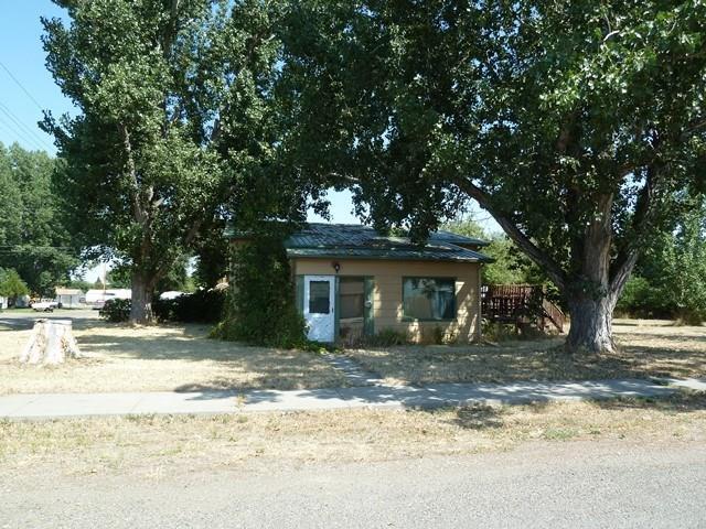 385 N 2nd Avenue, Forsyth, MT 59327 (MLS #291162) :: Search Billings Real Estate Group