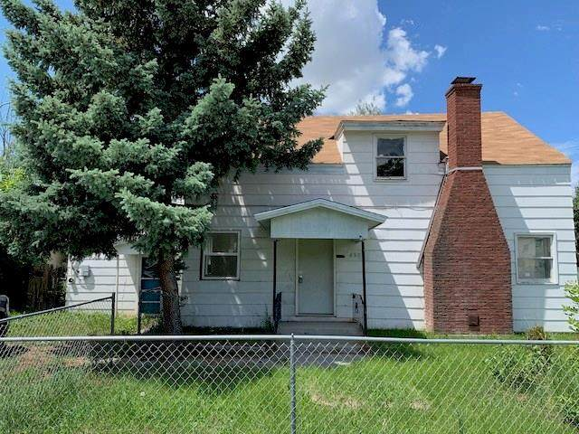 450 Jackson Street, Billings, MT 59101 (MLS #303030) :: Search Billings Real Estate Group