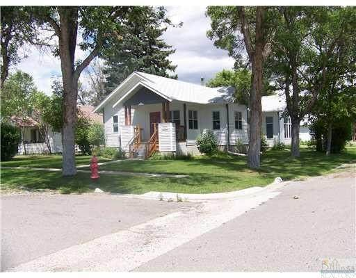 542 E 3rd N, Columbus, MT 59019 (MLS #314657) :: MK Realty