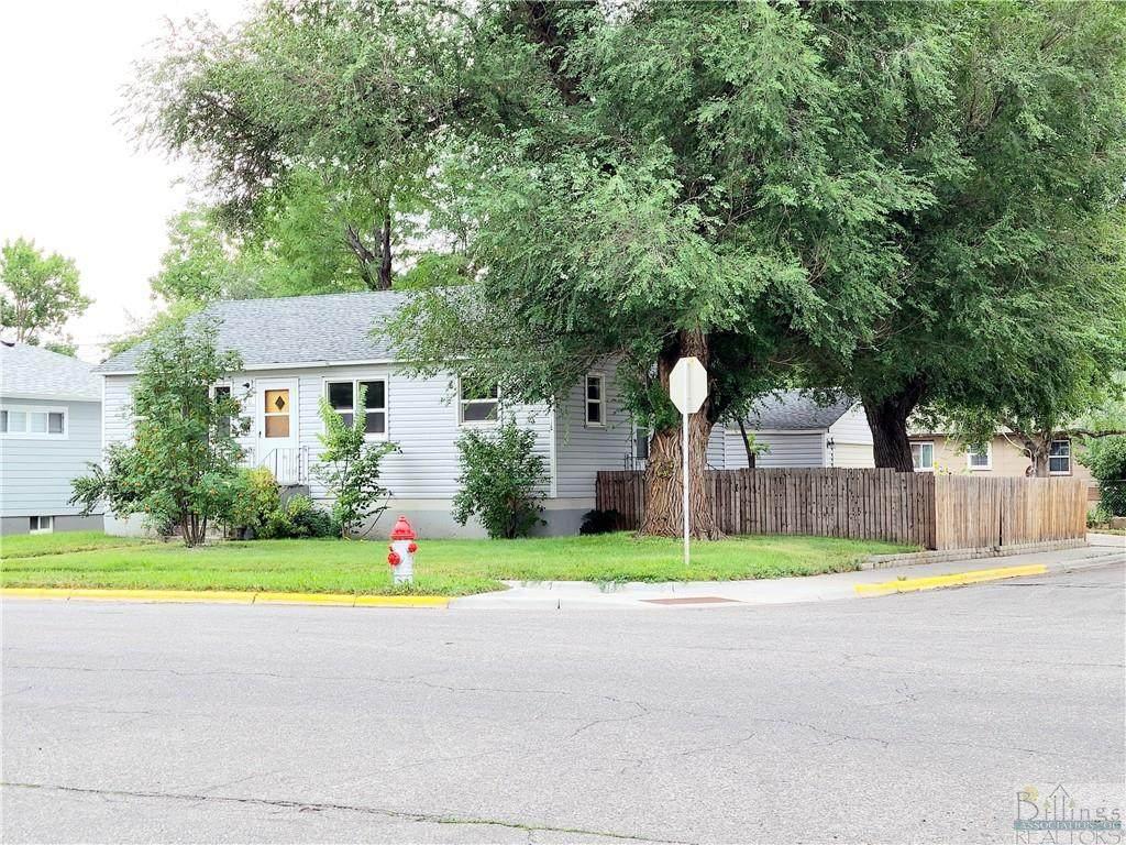1740 Lewis Ave - Photo 1