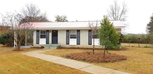 107 Woodland Dr, Talladega, AL 35160 (MLS #835365) :: Bentley Drozdowicz Group