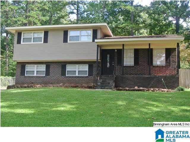 2305 Stonewood Dr, Birmingham, AL 35215 (MLS #1277091) :: Lux Home Group