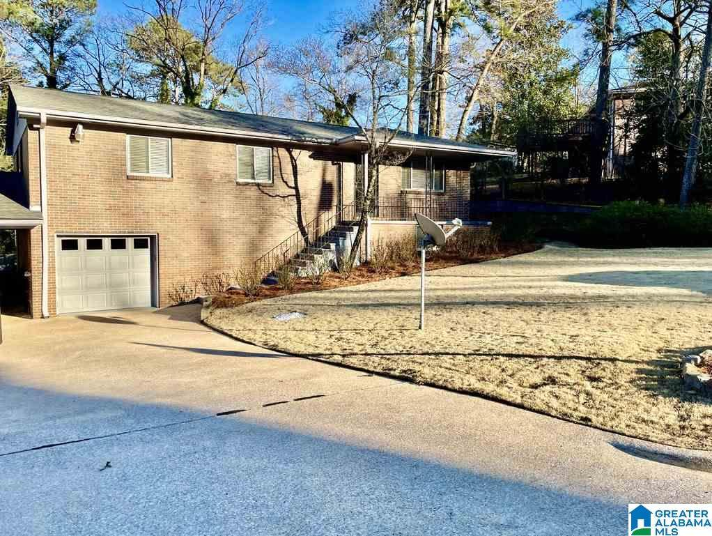 913 Sherwood Forest Dr - Photo 1