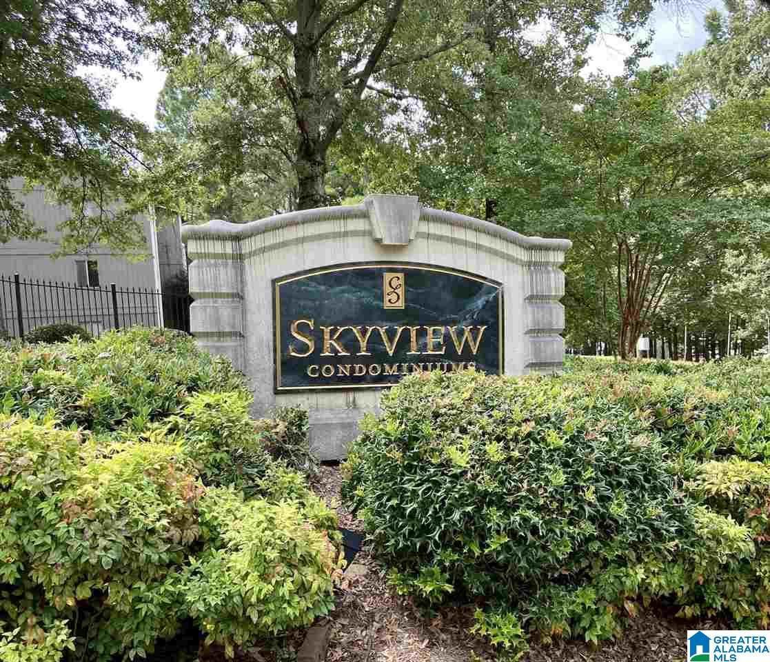 405 Skyview Drive - Photo 1