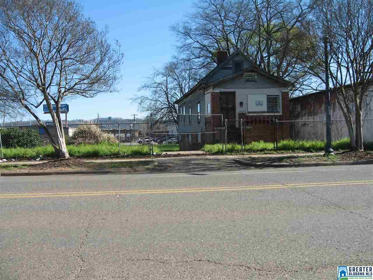 917 Rev Abraham Woods Jr Blvd - Photo 1