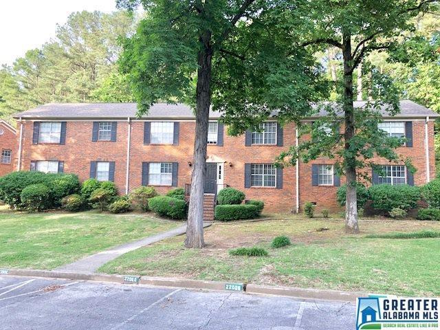 2200 Montreat Cir B, Vestavia Hills, AL 35216 (MLS #817262) :: The Mega Agent Real Estate Team at RE/MAX Advantage