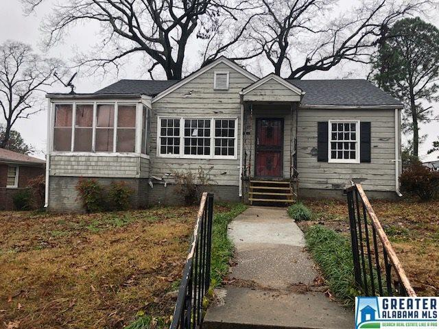 1424 28TH ST N, Birmingham, AL 35218 (MLS #837125) :: The Mega Agent Real Estate Team at RE/MAX Advantage