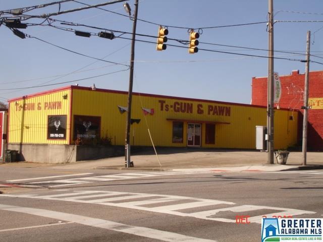 111 7TH ST, Clanton, AL 35045 (MLS #849168) :: Gusty Gulas Group