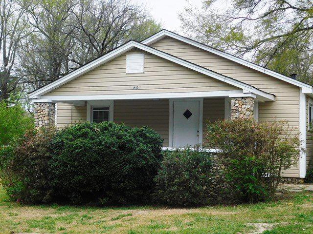 1912 2ND ST NW, Center Point, AL 35215 (MLS #849722) :: Bentley Drozdowicz Group