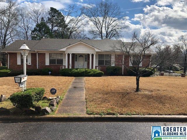 7245 Pine Tree Ln, Fairfield, AL 35064 (MLS #851618) :: Bentley Drozdowicz Group