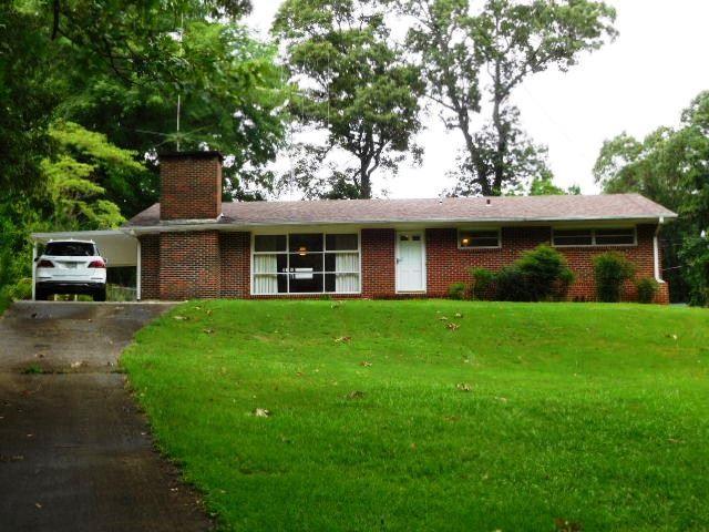 106 Forest Hills Cir, Talladega, AL 35160 (MLS #853613) :: Josh Vernon Group