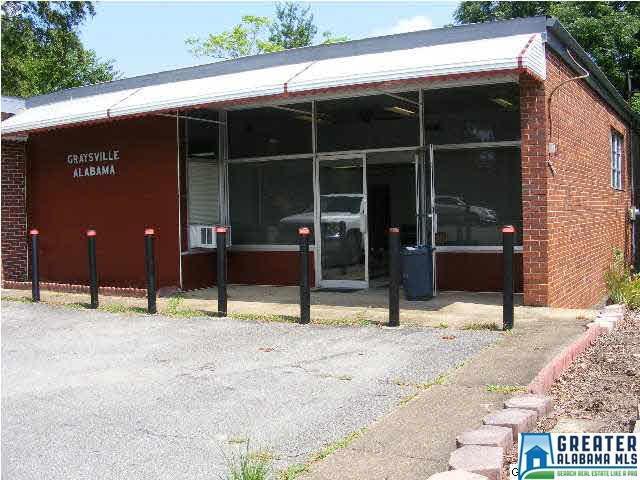 60 2ND AVE, Graysville, AL 35073 (MLS #855451) :: Josh Vernon Group