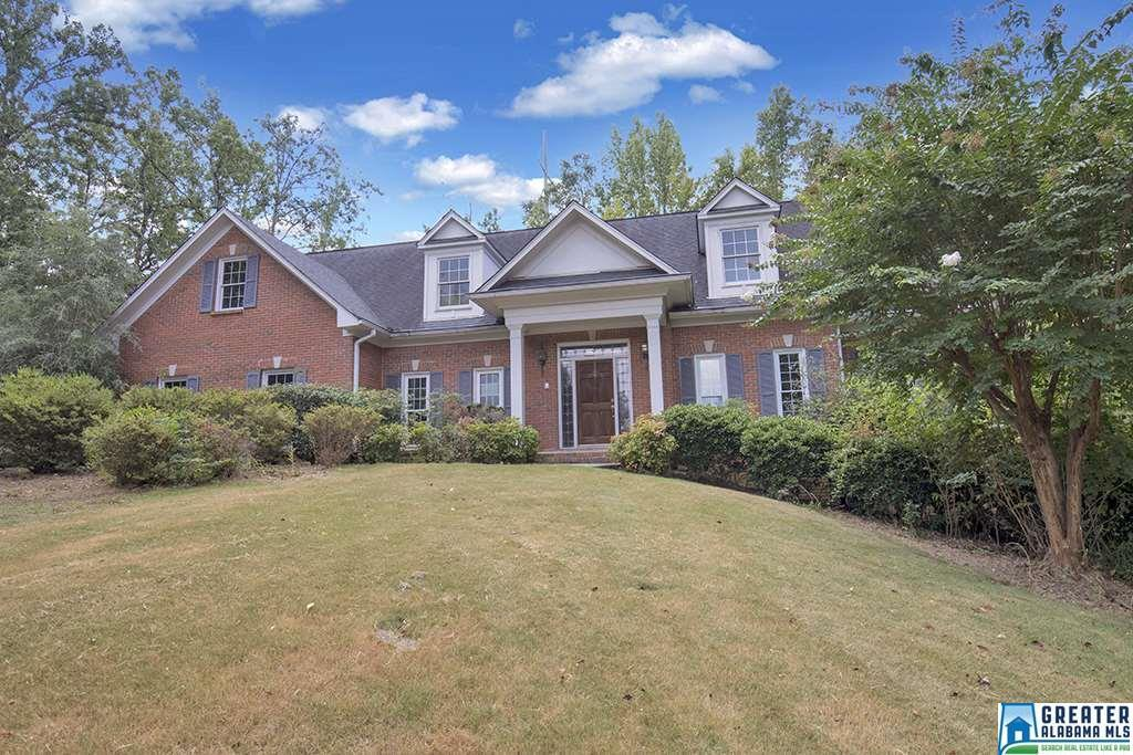 1096 Country Club Ct - Photo 1