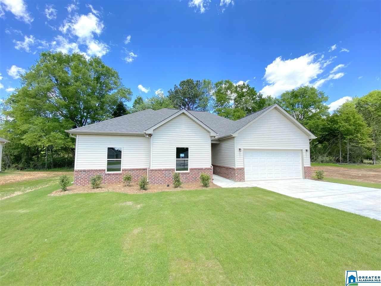 621 White Oak Cir - Photo 1