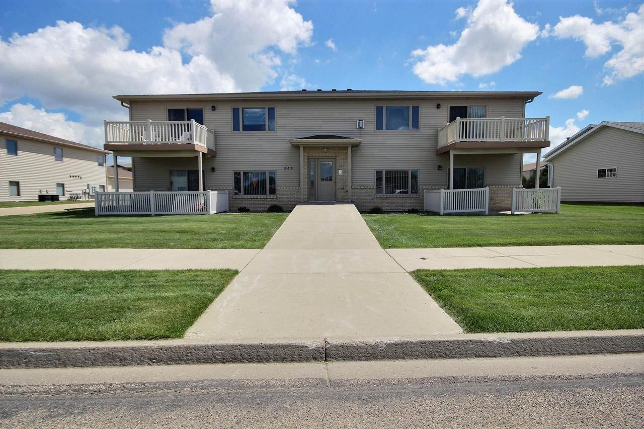 869 San Angelo Drive - Photo 1