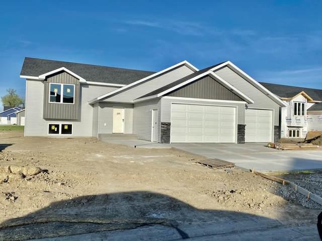 3926 Leighton Drive, Bismarck, ND 58504 (MLS #406868) :: Trademark Realty