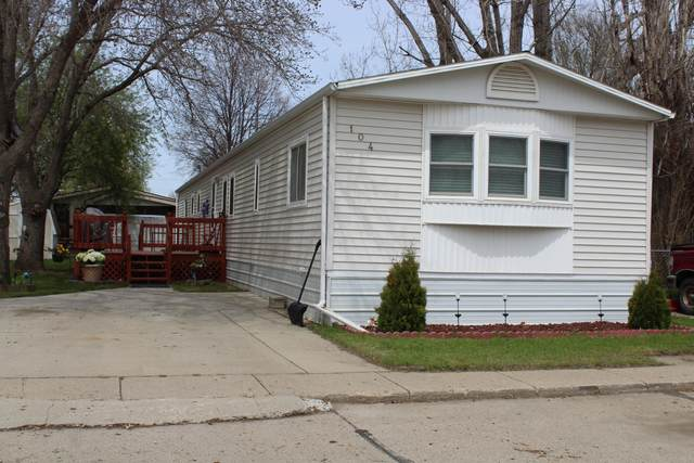 104 W Buffalo Street, Mandan, ND 58554 (MLS #406934) :: Trademark Realty