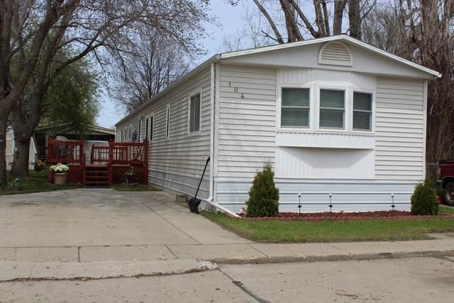 104 W Buffalo Street, Mandan, ND 58554 (MLS #406935) :: Trademark Realty