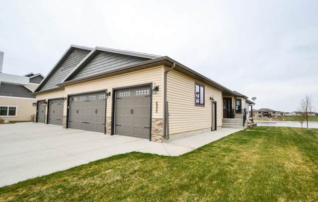 4044 Downing Street, Bismarck, ND 58504 (MLS #407008) :: Trademark Realty