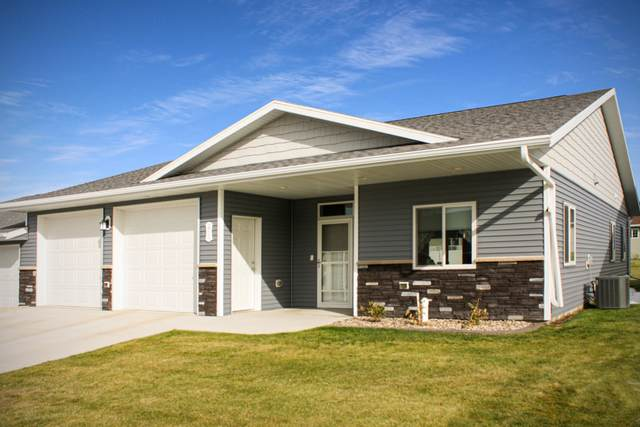 2514 7th Avenue NW, Mandan, ND 58554 (MLS #407099) :: Trademark Realty