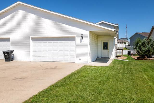 726 Brome Avenue, Bismarck, ND 58503 (MLS #407519) :: Trademark Realty