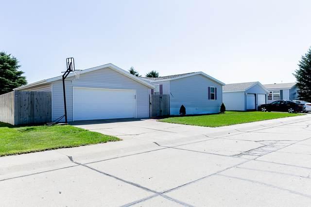 4827 Trenton Drive, Bismarck, ND 58503 (MLS #407636) :: Trademark Realty