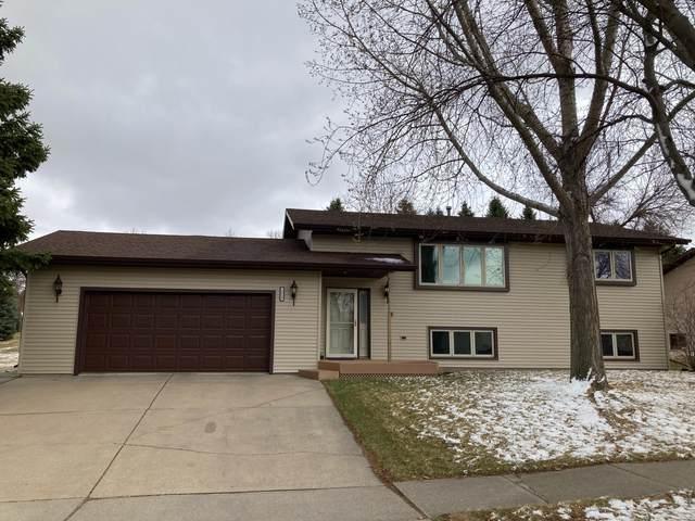 2913 Homestead Drive, Bismarck, ND 58504 (MLS #410446) :: Trademark Realty