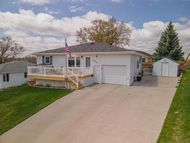 1013 5th Avenue NW, Mandan, ND 58554 (MLS #410726) :: Trademark Realty