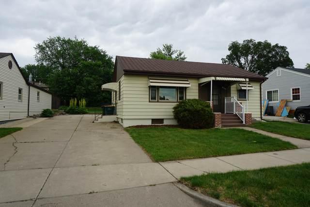 911 Curtis Street, Bismarck, ND 58501 (MLS #411336) :: Trademark Realty