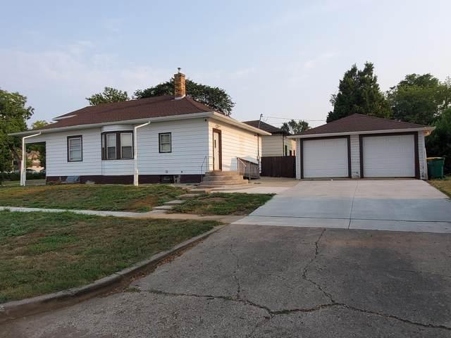 501 N 10th Street, Bismarck, ND 58501 (MLS #411697) :: Trademark Realty