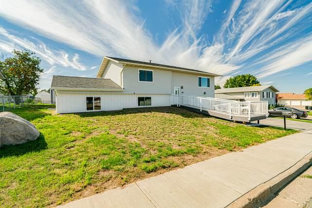 813 Johns Drive NE, Mandan, ND 58554 (MLS #412167) :: Trademark Realty