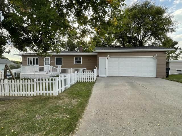 104 5th Street SW, Linton, ND 58552 (MLS #412197) :: Trademark Realty